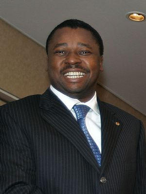 Le président togolais effectue une brève visite au Burkina Faso
