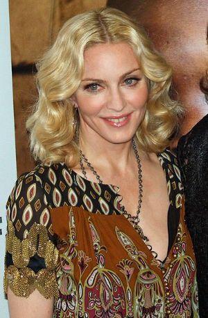 Madonna autorisée à adopter des jumelles au Malawi