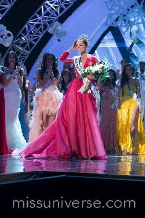 Miss États-Unis : une candidate Somalienne défile pour la première fois en Hijab et Burkini