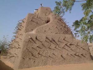 """La chef de l'UNESCO s'engage """"à protéger et reconstruire le patrimoine culturel extraordinaire du Mali"""""""