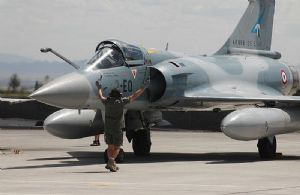 Deux Mirage 2000 français à la recherche de l'avion d'Air Algérie disparu