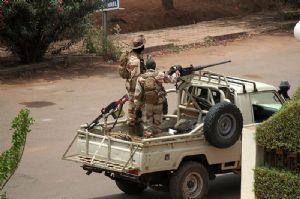 Mali: Un attentat déjoué avant le sommet de Bamako, 3 terroristes arrêtés