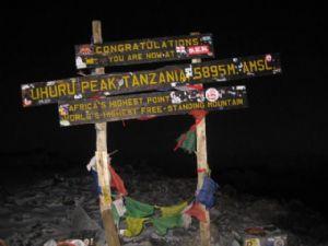 Tanzanie : Les agences de voyage nettoieront les versants du Kilimandjaro