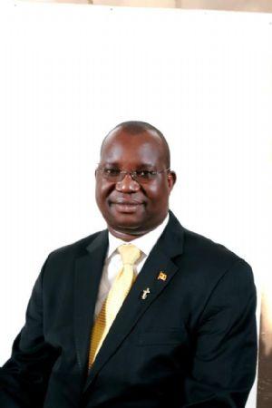 Un révérend ougandais défend les viols de mineurs