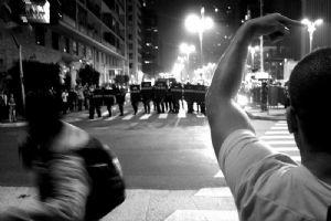 Algérie : «Allez voter, ne regardez pas la télé, ne manifestez pas et taisez-vous ! »