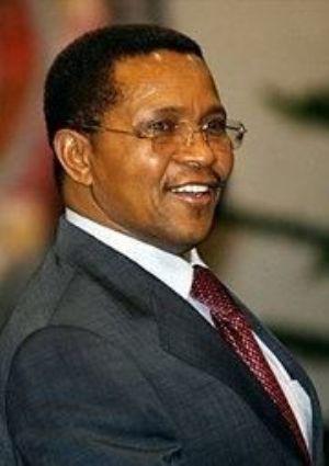 Le président tanzanien déclaré champion de la démocratie en Afrique par Voice Magazine