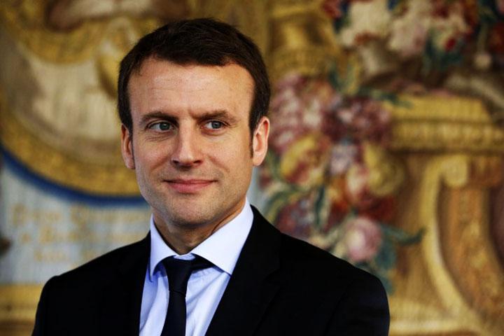Tunisie : Emmanuel Macron soutient la fragile démocratie