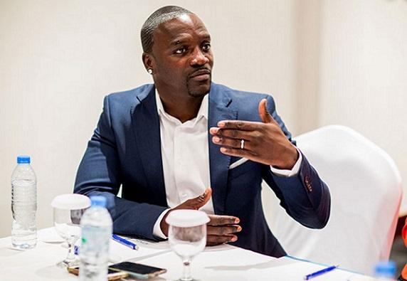Afrique: Akon se fait le porte-voix des migrants et fustigent les dirigeants africains