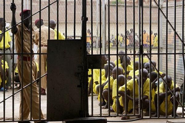 Ouganda: Piégés par la ministre de la santé, des infirmiers corrompus derrière les barreaux