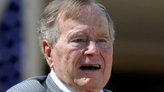 Dénonciations des harcèlements sexuels: accusation contre l'ancien président américain George Bush Senior