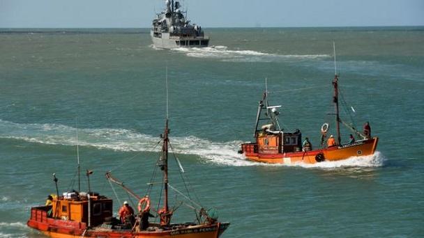 Argentine: disparition sous-marin, les familles gardent toujours espoir