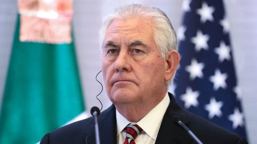 Tillerson se recueille sur le lieu de l'attentat de 1998 au Kenya