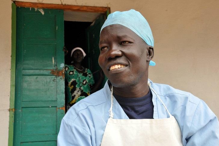 ONU/HCR: un chirurgien sud-soudanais lauréat du prix Nansen pour les réfugiés
