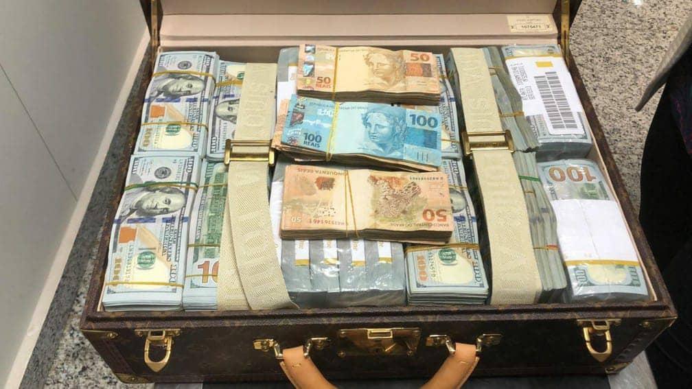 Bien mal acquis: Teodorin Obiang Nguema intercepté dans un aéroport brésilien avec 16 millions de dollars en espèces et bijoux