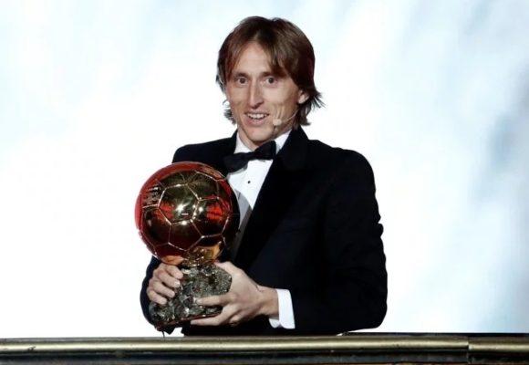 Ballon d'Or 2018: le Croate Luka Modric devance Cristiano Ronaldo et Antoine Griezmann