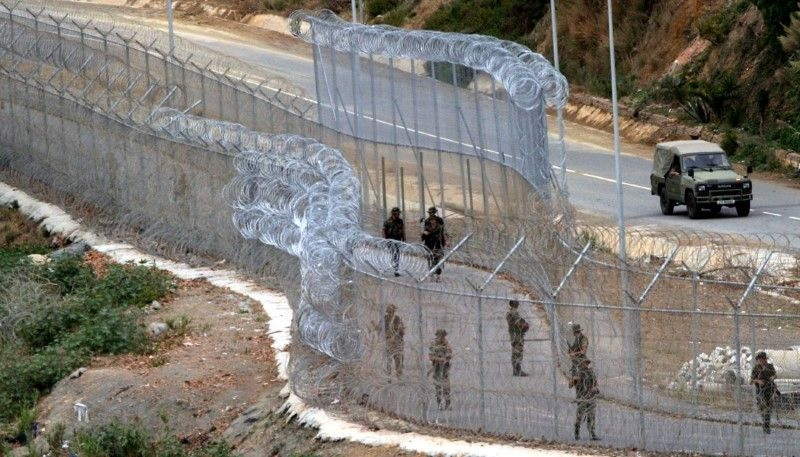 Maroc/Migration : l'Espagne veut supprimer les barbelés installés entre Ceuta et Melilla
