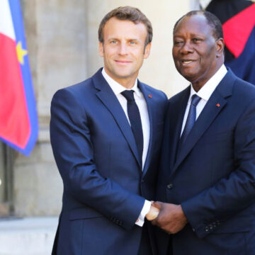Alassane Ouattara attend son homologue français à Abidjan d'ici fin décembre