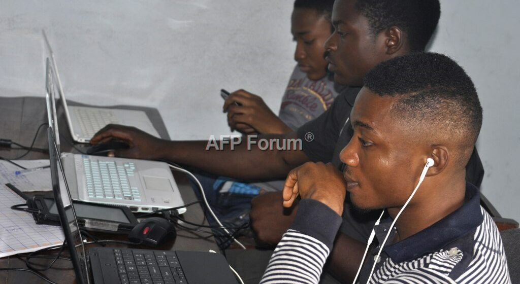 En plein coeur du conflit séparatiste, la Silicon Mountain du Cameroun anglophone se meurt (Reportage)