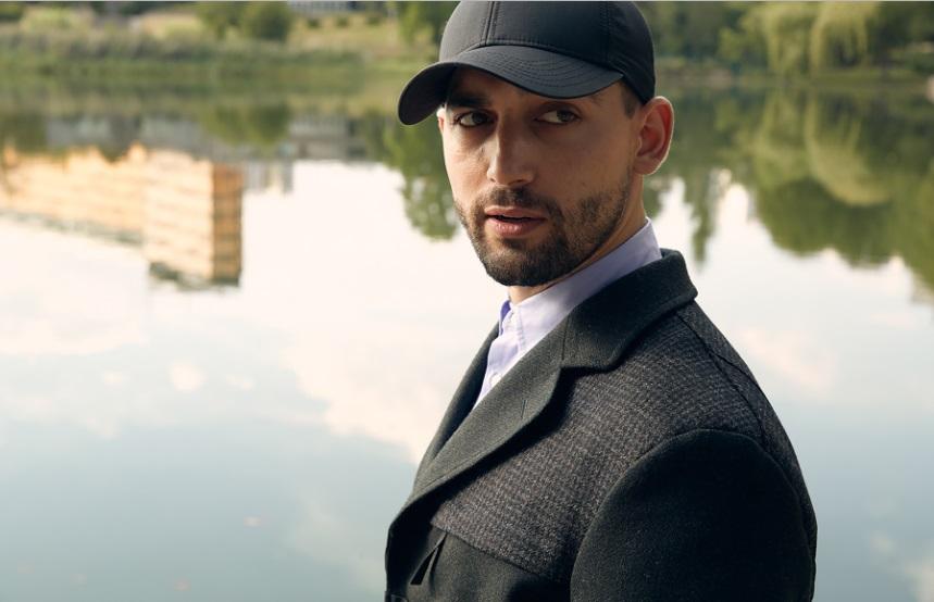 Cinéma : l'acteur franco-algérien, Dali Benssalah dans le prochain James Bond