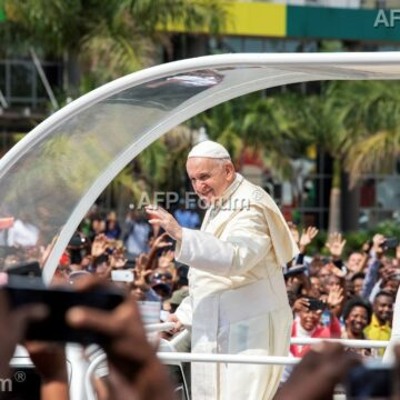En voyage au Mozambique, le pape salue le récent accord de paix