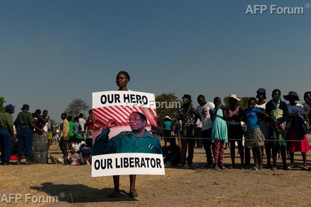 Nouveau rebondissement au Zimbabwe, Mugabe sera finalement enterré au village