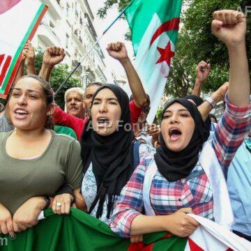 Algérie: Bloqués la semaine dernière, les étudiants ont  manifesté à Alger ce 15 octobre