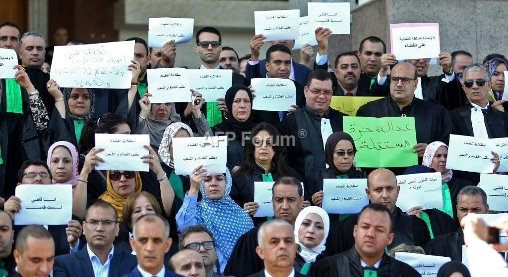 Algérie: Les tribunaux toujours paralysés, des verdicts repoussés
