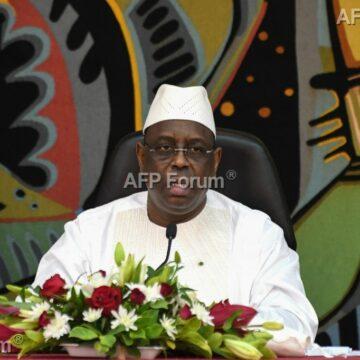 Sénégal: Le président Sall tente l'apaisement dans une passe ardue