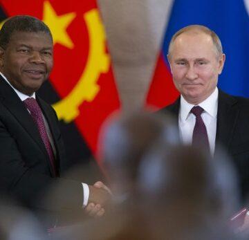 Poutine annonce le retour  de la Russie par un ambitieux sommet