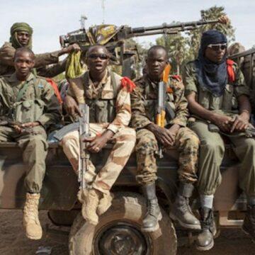 L'attaque contre un convoi militaire au Mali : le bilan s'alourdit