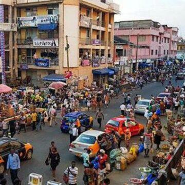 Fermeture de dizaines de magasins d'étrangers au Ghana