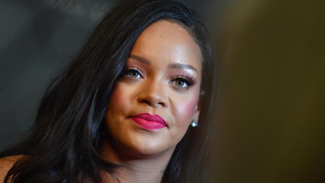 Rihanna, la chanteuse la plus riche du monde et première femme noire PDG d'une maison de luxe