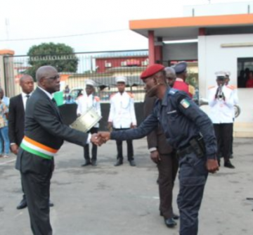 Côte d'Ivoire: un meeting de l'opposition empêché pendant la visite de Macron