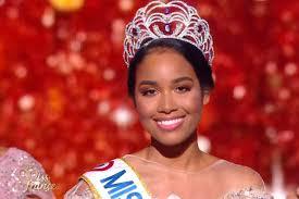 La Guadeloupéenne Clémence Botino, couronnée Miss France 2020
