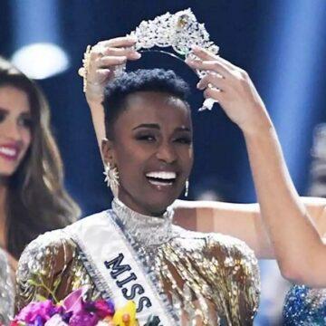 Zozibini Tunzi, Miss Afrique du Sud, couronnée plus belle femme de l'Univers