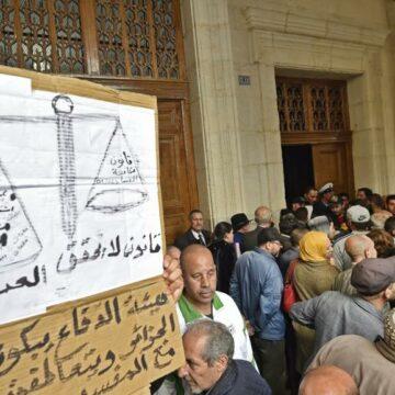 Verdict pas tendre dans le procès des anciens PM en Algérie pour corruption