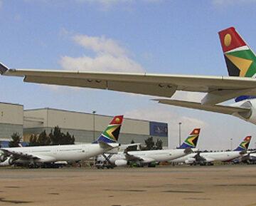 Dix liaisons de South African Airways suspendues pour des raisons économiques