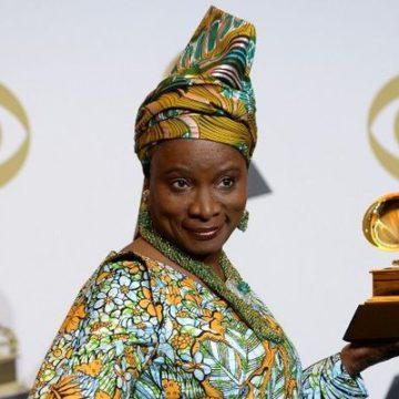 La chanteuse béninoise Angélique Kidjo devient docteur honoris causa de l'UCLouvain