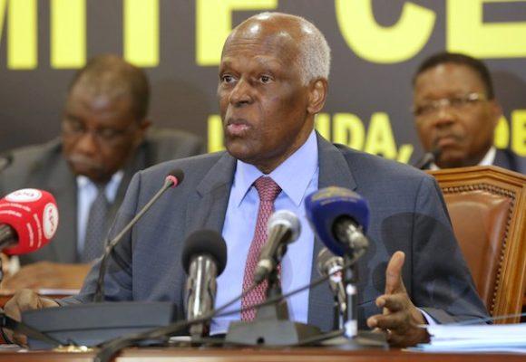 Angola: l'ex-président dos Santos nie tout lien avec le scandale qui vise sa fille