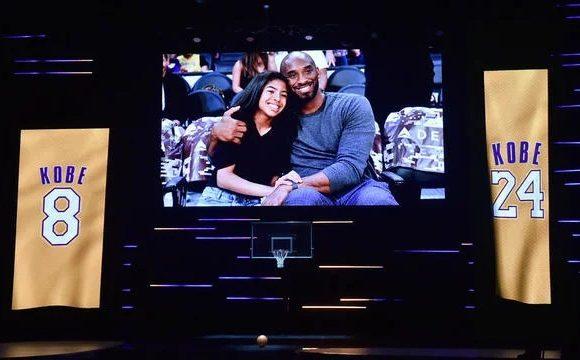 Emouvant dernier hommage public pour Kobe et Gianna Bryant