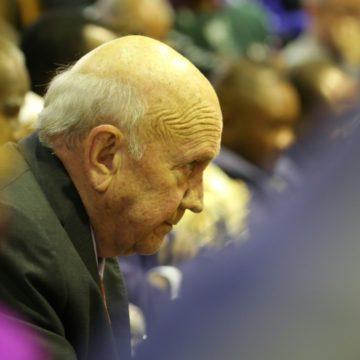 Afrique du Sud: le président Ramaphosa dénonce les propos de l'ex-président De Klerk sur l'apartheid
