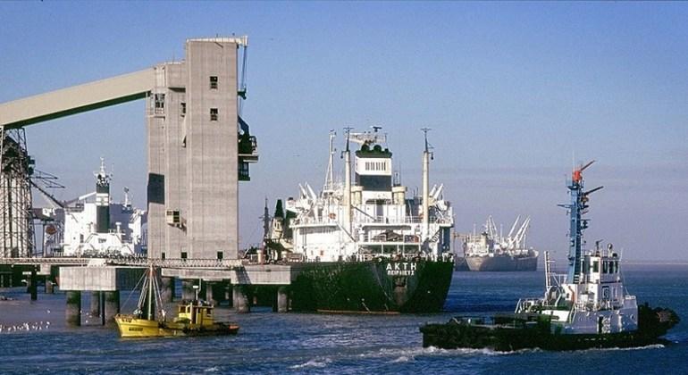 La Conférence des Nations Unies pour le commerce et le développement (CNUCED) plaide pour le maintien des flux de navires, l'ouverture des ports.