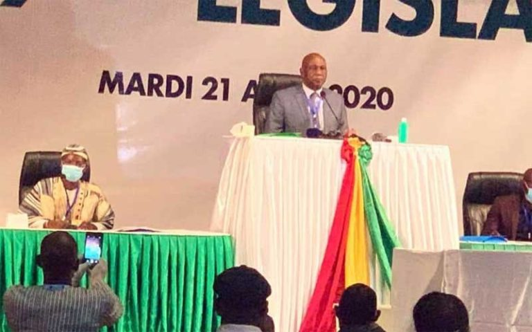 Amadou Damaro Camara élu président